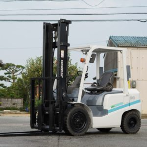 5670.UNICARRIERS FD30T4