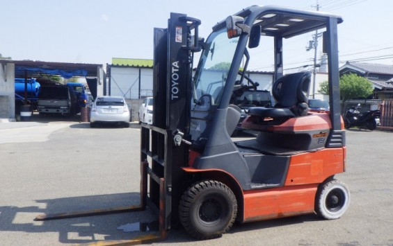 3841. TOYOTA 7FBH15